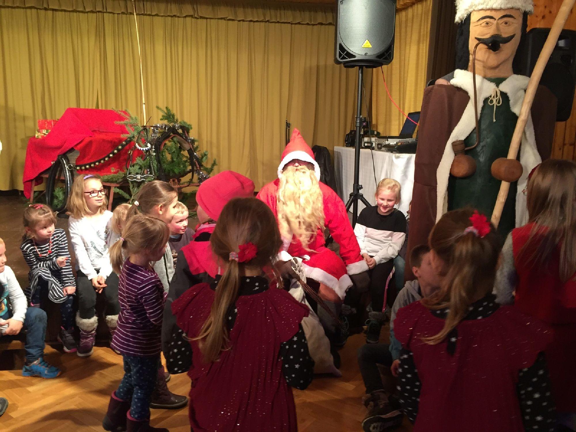 Der Weihnachtsmann ist zu Besuch