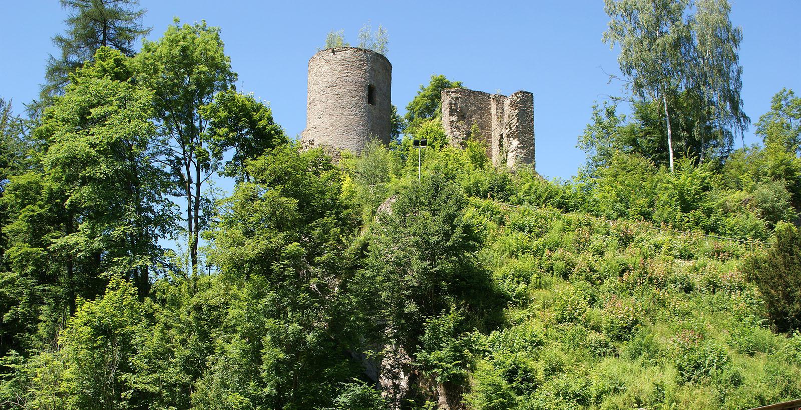 Zerstörte Burg aus dem Jahr 1530